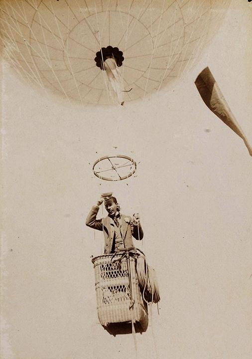 Santos-Dumont_décolle_le_4_juillet_1898_sur_le_Brazil_02